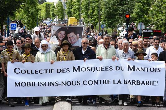 manif musulmane Mantes-le-Jolie 19juin2016